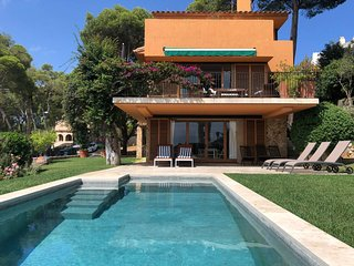 **VILLA MARE LLAFRANC**Amazing pool w/ sea views