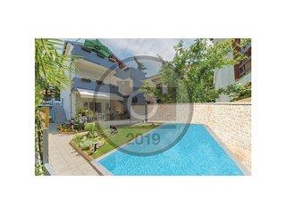 8 bedroom Villa in Smiric, Zadarska Zupanija, Croatia : ref 5674674