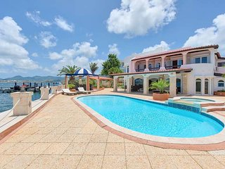Cielos Azules... Luxurious waterfront villa in gated Pointe Pirouette, close to