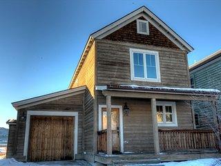 Buckhorn House - 1043