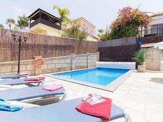 Beautiful 6 Bedroom Villa. Private Heated Pool. Stunning Views. Sleeps 12