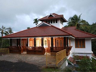 Zicilys Garden Home Stay and Service Villa chennalode and kavumannam,wayanad.
