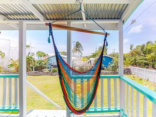 Cozy studio cabana w/ deck, enclosed yard, kitchenette, and easy beach access