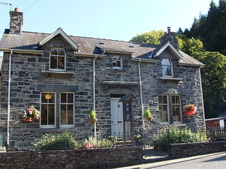 Swn-y-Dwr Holiday Cottage