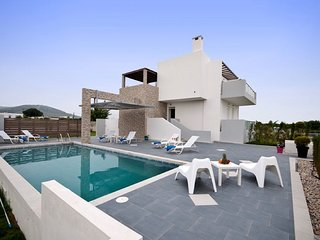 3 bedroom Villa in Tigkaki, South Aegean, Greece : ref 5674331