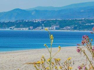 6 bedroom Villa in Paparo-Sant'Angelo, Calabria, Italy : ref 5674684