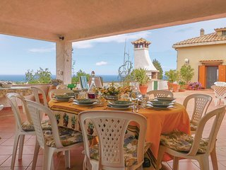 6 bedroom Villa in Paparo-Sant'Angelo, Calabria, Italy : ref 5674684