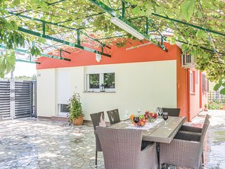 2 bedroom Villa in Vintijan, Istarska Zupanija, Croatia - 5674439