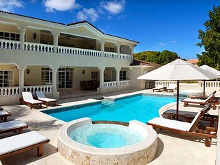 4 Bedroom Villa VIP service & private pool for family in the Caribbean