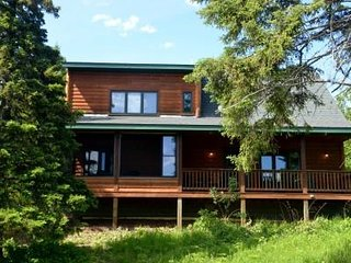 Lutsen's cutest vacation home 1/2 mile to Lake Superior, 1 mile to the ski hills
