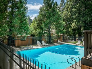 Dog-friendly condo with shared pool & hot tub, free WiFi, and grill!