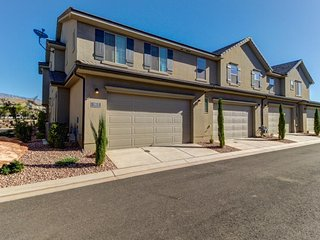 NEW LISTING! Modern townhome w/shared pool and hot tub, near parks and trails!