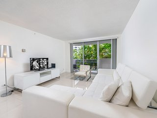 Private Residence at Flamingo South Beach - 448