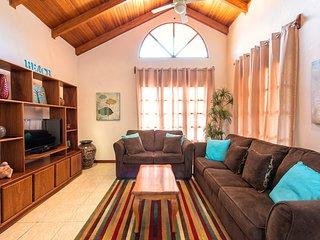 Cozy Villa Walking distance to everything, Tamarindo