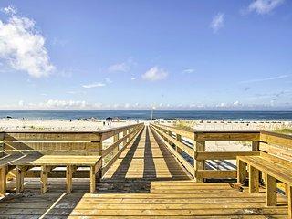 NEW! Beachfront Gulf Shores Condo w/Pool & Hot Tub