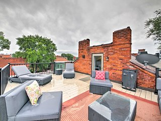 NEW St. Louis Townhome w/Rooftop Deck- 8 Min to DT