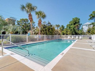 NEW LISTING! Dog-friendly townhome w/shared pool/hot tub/tennis - walk to beach