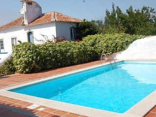 Sobral Óbidos Villa - Pool and Garden