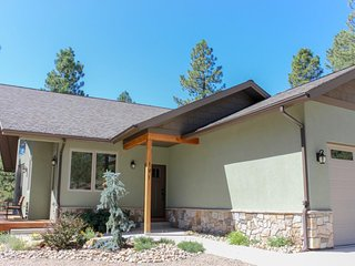 Brand new, secluded home w/ large deck, 2 fireplaces & woodland/mountain view!