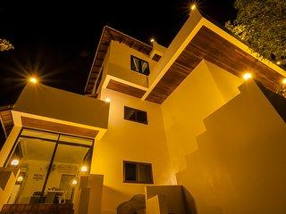 New POP Villa 3 BR Sunset Pool Villa w/Sea & Jungle Views
