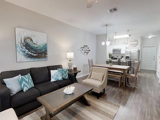 NEW LISTING!  Beautiful 2 Bedroom-3 Bath Townhome Walking Distance to the Beach!