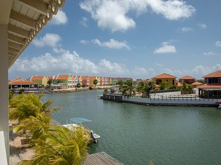 Ocean Blue, a great waterfront apartment at the Ocean Breeze Resort