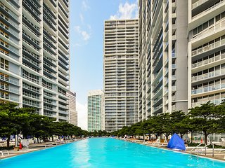 Luxury 2 Bedroom Bay Front Apt at Miami w/ Breathless View 3304