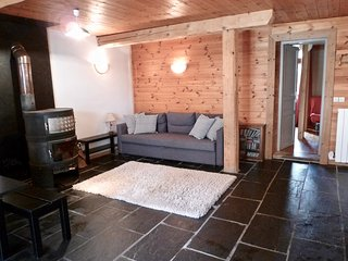 Le Seraphin - 6-8p apartment in the heart of a traditional Savoyard village