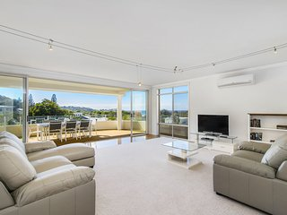 Watonga Beach Getaway, 2/47 Watonga Street, Port Macquarie