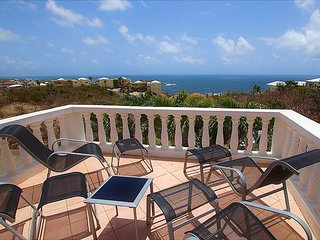 ESPERANZA... Charming, Very Afffordable Villa w/ Ocean Views & Quality Interior
