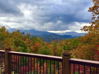 A VIEW FOR ALL SEASONS  *FALL IS FABULOUS IN THE SMOKY MOUNTAINS *
