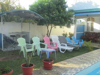 G.Baie: house with PRIVATE POOL for 1-10  persons with free wifi / jacuzzi-spa.