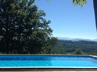 Meadowtops Cottage/Gite - South West France, pool, hot tub and mountain views