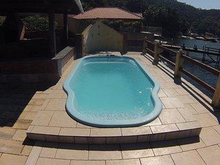 Linda Casa em Aguas Lindas - Ilha de Itacuruca