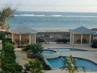 Cayman Tuscany Villa