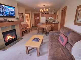 Springs 8838 One Bdrm with Pool and Slopes Views by Summitcove Lodging