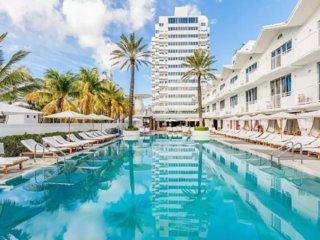 3BR Ocean & Beachfront Shelborne Art Deco Suite