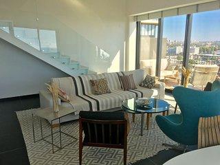 Stunning luxury duplex, sea view , pool , gym ,parking