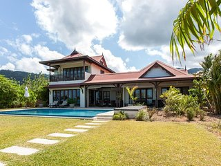 Stylish 03 bedrooms villa with private pool and views on Eden Island-Seychelles