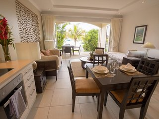 01 bedroom sea frpnt apartment with shared pool on Eden Island in Seychelles