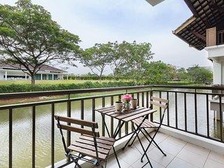 ♛ Modern Bali Cottage w canal, nature & relax ♛ 15mins Drive Legoland Malaysia