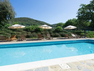 Villa A Sesta Apartment Sleeps 4 with Pool Air Con and WiFi - 5674956