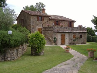 5 bedroom Villa in Corgna, Umbria, Italy : ref 5674915