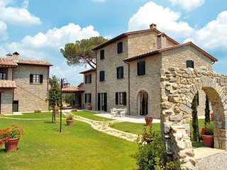 2 bedroom Apartment in Le Casine-Perignano-Spinelli, Tuscany, Italy : ref 567491