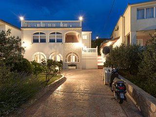 Beachfront Villa in a fantastic location - Perfect for Families and Groups