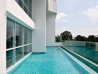 **Awesome Seaview** Jacuzzi *Bathub *Infiniti Pool near Johor Bahru City Centre