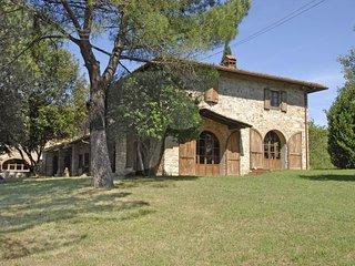 5 bedroom Villa in Pieve A Presciano, Tuscany, Italy : ref 5674918