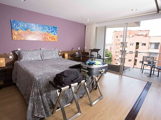♚Luxuriest Roof Waiting For U♛ 1BR- 46' TV- ♣Queen Sized Bed♠