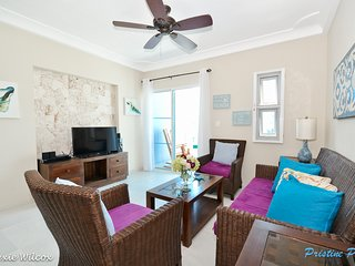 Sol Tropical A3, Penthouse close to the beach!