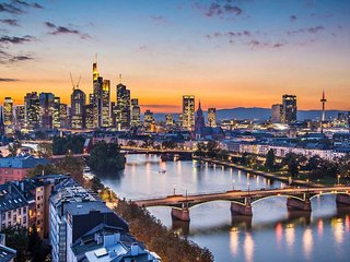 Comfortable & Quick in the city / Frankfurt & Region